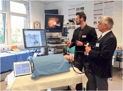 """""""Røntgen"""" uten stråler – fra innvielsen av det nye treningssenteret i Tübingen sept 2014."""