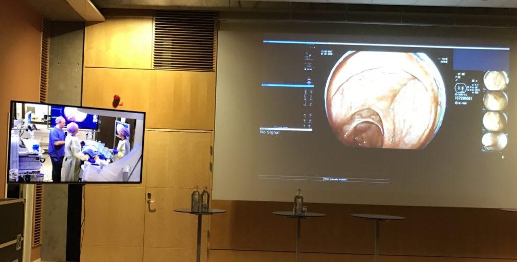 """""""Live-demo"""" var rammen for hele første dag på kurset, og interessante kasus ble presentert. Den litt uforutsigbare og direkte undervisningsformen fenger tilhørerne, og den tekniske gjennomføringen var god."""